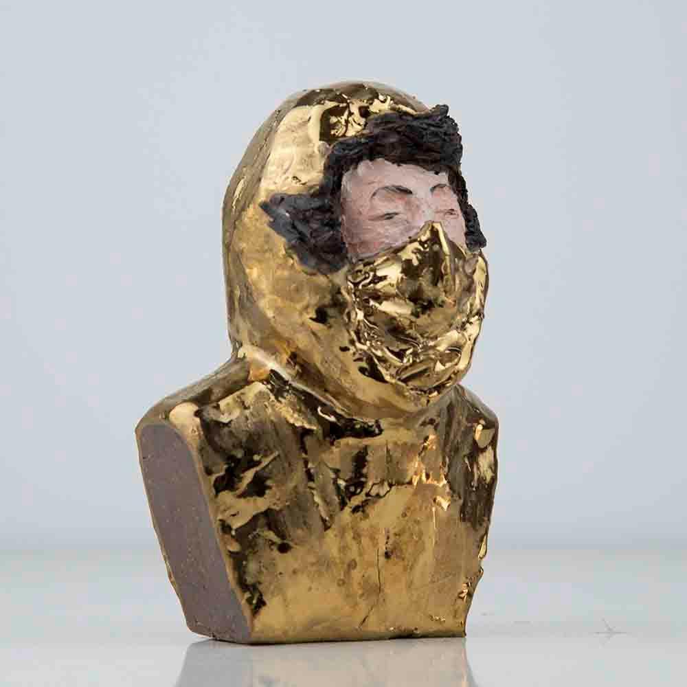 'Jingdezhen Gold', 15 x 8 x 6cm, clay/gold glaze/oilpaint, 2019